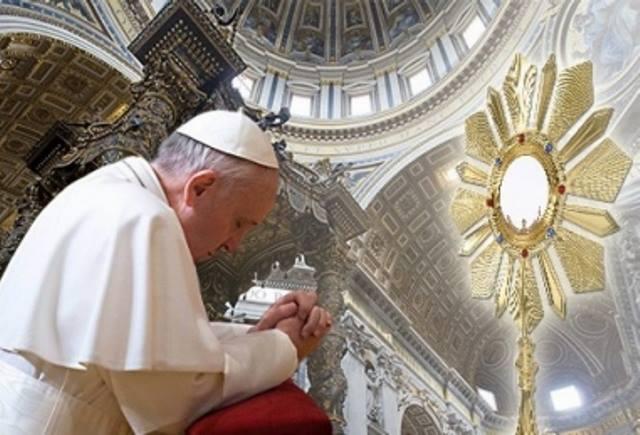Solenne Adorazione eucaristica in contemporanea mondiale