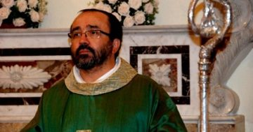 Padre Tonino Zoccano parroco a Peschici
