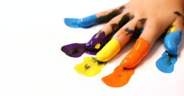 Giornata della consapevolezza sull'autismo: la scuola 'Melchionda' illuminata di blu