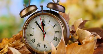 Lancette indietro di 60 minuti: torna l'ora solare