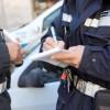 Offende agenti di Polizia Locale su Facebook: denunciato