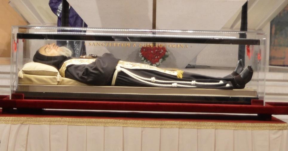 Veglia per anniversario morte padre Pio